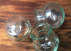 Medium glass cups